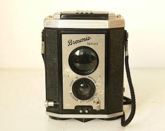 Vintage Kodak Brownie Reflex -  Twin Lens Reflex Camera --  1950's -- -