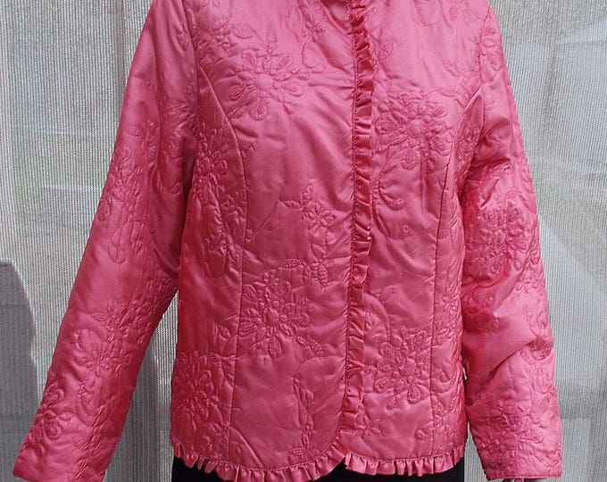 Vintage 90s Chicos Pink Floral Quilted Polyester Womens Evening Coverup Long Sleeve Snap Blazer Jacket 2