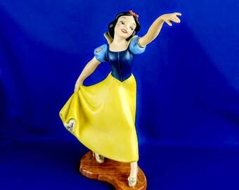 WDCC Snow White - The Fairest One Of All