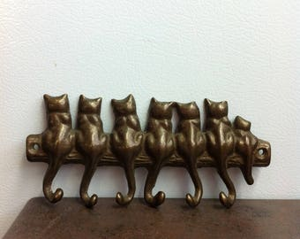 Vintage Key Hook - Cast Metal Cats  - Wall Mount Key Rack  - Holds 6 Keys