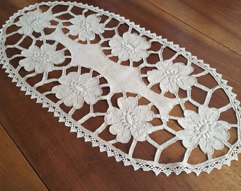 Vintage linen table runner ecru embroidery richelieu 85 cm - 13322