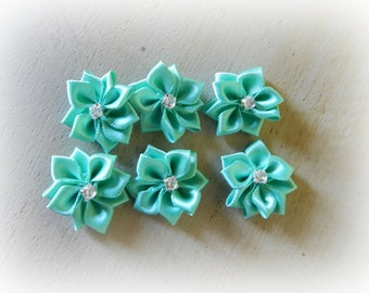 6 applique flower in green water 25 mm satin ribbon