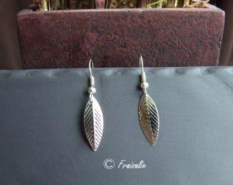 1 pair of earrings fine silver metal leaf