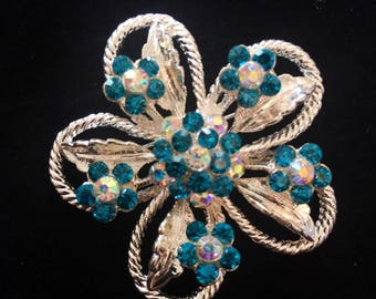 Turquoise and silver vintage brooch.  Flower brooch