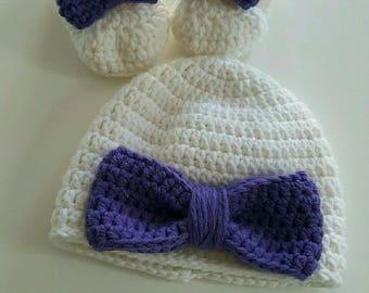 set newborn bonnet and booties crochet