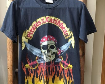 Vintage Disney Pirates of the Caribbean shirt Small