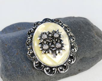 Edelweiss Scarf Clip - Oval Scarf Clip - Gift for Women - Vintage Scarf Clip - White Scarf Clip - Gift under 25 -  Big Scarf Ring