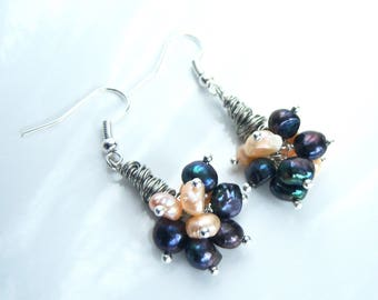 Earrings with black and beige freshwater pearls