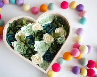 Felt succulent heart, felt succulent, succulent, valentines heart, green succulent, succulent decor heart