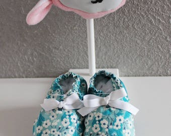 """Baby booties 9/12 months in liberty """"misti mint"""" lined and interlining felt sole."""