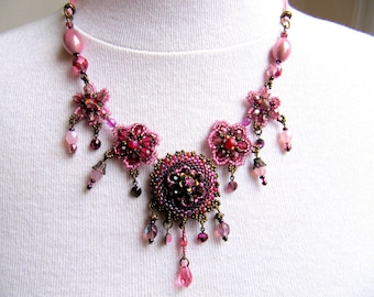 Romantic necklace pink glass beads
