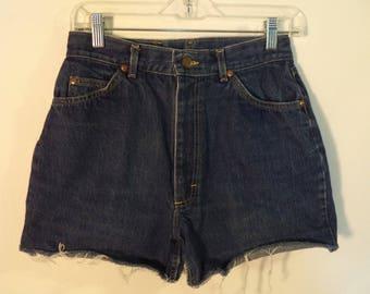 High waist LEE mom jean shorts// 80s USA union made leather patch cut off blue denim boho hippie festival// Women's small medium S M 28W 6 8