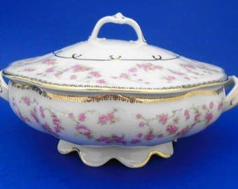 Schumann Bavaria Original Bridal Rose covered vegetable bowl with lid art deco Rose wreath