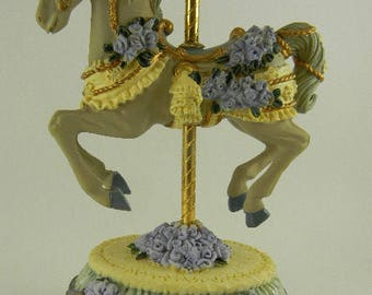 """Heritage House Melodies Country Fair Collection Carousel Music Box """"I Left My Heart In San Francisco"""""""