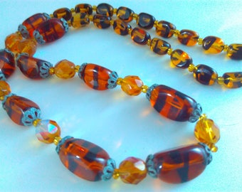 47cm graduated vintage Amber glass bead necklace, vintage necklace, Amber araura Borealis bead, orange necklace, vintage glass necklace