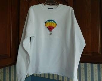 Vintage Women's White Balloon Festival Sweatshirt Size Large