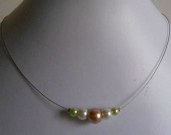 Trendy bridal necklace ivory and pistachio green beige