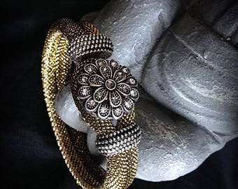 Double Golden bracelet with interchangeable button