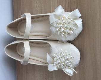 Leather Girls Shoes Ivory Bow Pearl Rhinestone Lace Ribbon Girls Princess Shoes