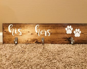 His, Hers & Dog / Entryway Key Hooks / Leash and Collar Holder / Entryway Sign / Pawprint / Dog / Pawprint