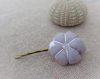 Japanese flower Barrette White Star on gray background 2,2 CMS - ninette barrettes