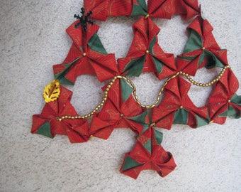 Sapin de Noël en origami de tissu  rouge et vert