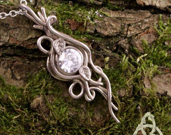 leaf necklace elven medieval Elwalen zircon Crystal silver plated bronze scrollwork nature wicca pagan esoteric magic