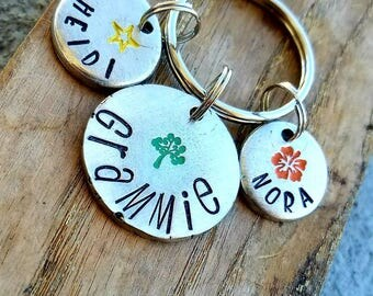 Personalized grandma keychain. Hand stamped grandmother gift. Personalized children's names gift for grandma, Nana gift, memaw keychain.