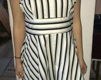 Vintage French Connection original cotton dress Black and white with stripes 80's style dress for woman Oldschool cotton dress Size M