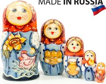 "Russian Nesting Doll - ""Masha. Sunflower."" - MEDIUM SIZE - 5 dolls in 1 - Hand Painted in Russia - Matryoshka Babushka"