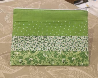 Spring green patchwork pouch - green make up bag - lined zipper pouch - green make up pouch - green bag organiser - patchwork make up bag