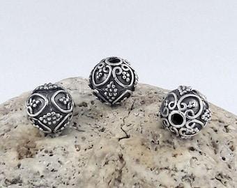 2pcs - 9mm Bali Silver Beads