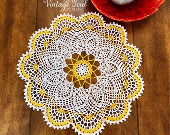 Round Lace Doily - Crochet Doily - Farmhouse Decor - Vintage Home Decor - Coffee Table Decor - Pineapple Doily - French Country Decor
