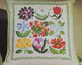 """Floral Vignettes Crewel Pillow Kit Linen Fabric 16"""" Square Decorator Pillow"""