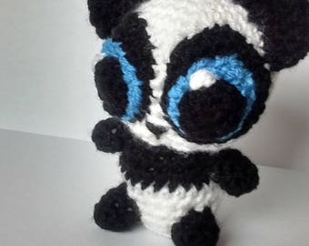 Big eyed Panda (crocheted)