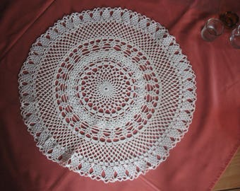 GREAT color 46 cm in diameter ECRU crochet DOILY