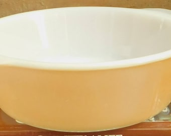 Vintage Peach Lustre Fire King Casserole Dish, 443, 2 QT, Anchor Hocking Round Baking Dish, Utility Serving Dish, Oven to Table, Old