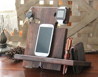 Solid Walnut Apple Watch Docking Station Charger Desk Organizer iPad Tablet Apple Watch Dock Engraved Docking Station Boyfriend Gift for Men