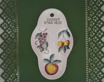 1950s Fruit Spoon Rest Gourmet Spoon Rest 3 Section Ceramic Fruit Theme Grapes Cherry Apple Vintage Kitchen Collectible Home Living