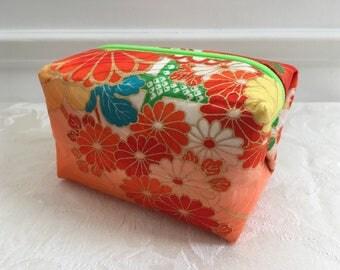 Cute Zipper Caramel/Candy Pouch, Japanese Vintage Kimono fabric Handmade