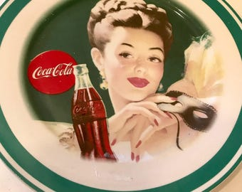 "Vintage 10 1/2 "" Coca-cola plate by Gibson"
