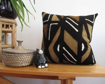 Brown Mud Cloth Pillow, Jungalow Style, Brown patterned Mud Cloth or Bogolan