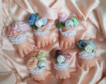 Dolly hand bouquet Necklace