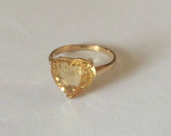Stunning vintage hallmarked 14ct 14k yellow Gold and natural citrine ring.UK size I