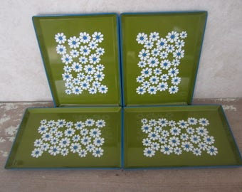 4 Small Lacquer/Melamine OMC Trays Vintage Metal Serving/Snack Trays Floral Design OMC Made In Japan Green