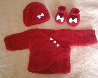 vest ENS hides red heart and hat and booties