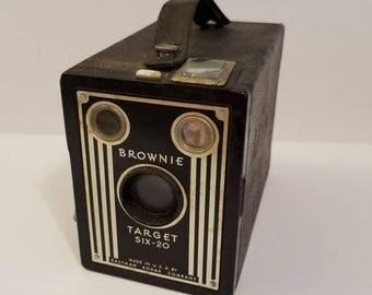 ON SALE Vintage Camera - Brownie Target Six-20
