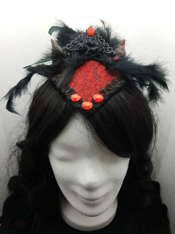 SALE little devils horns gothic Fascinator red Sybil kleineTeufelshörner gothic fascinator in black red