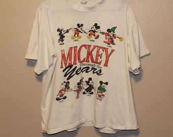 Vintage Mickey Mouse shirt // 80s mickey mouse shirt // Vintage Disney shirt // Vintage Disney // Vintage Mickey mouse // 80s disney //