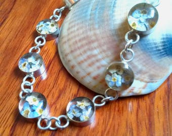 925 silver Real flower resin sterling bracelet . Handmade sterling bracelet . Unique flower bracelet . Girls Sterling silver chain bracelet